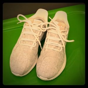 Adidas shoes in great condition